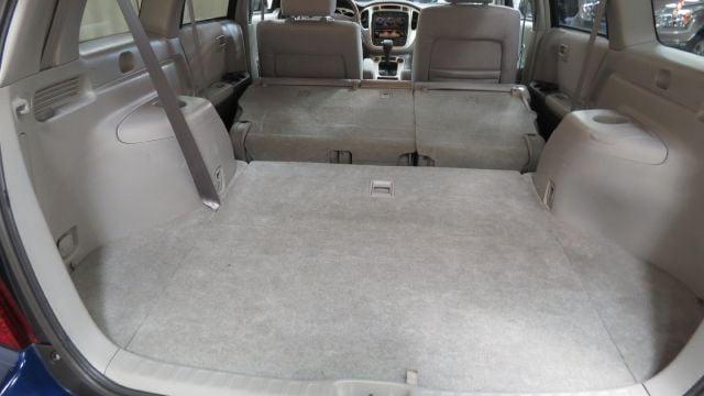 2005 Toyota Highlander Base AWD 4dr SUV w/3rd Row in Berea