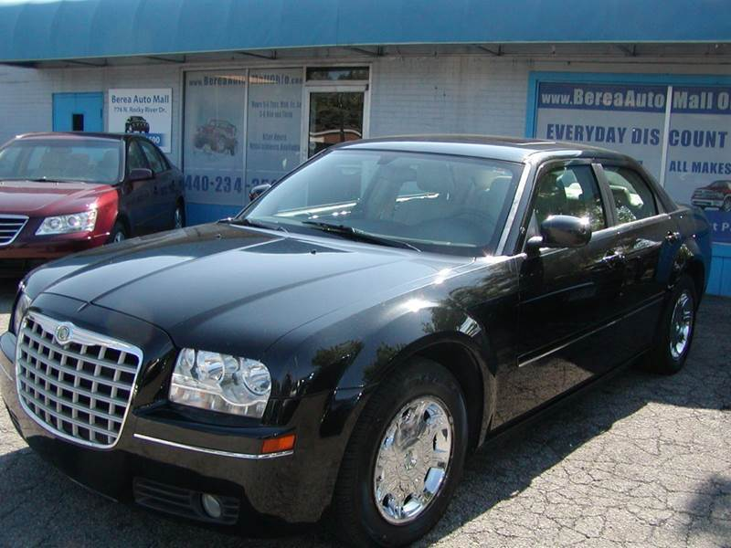 2005 Chrysler 300 Limited 4dr Sedan