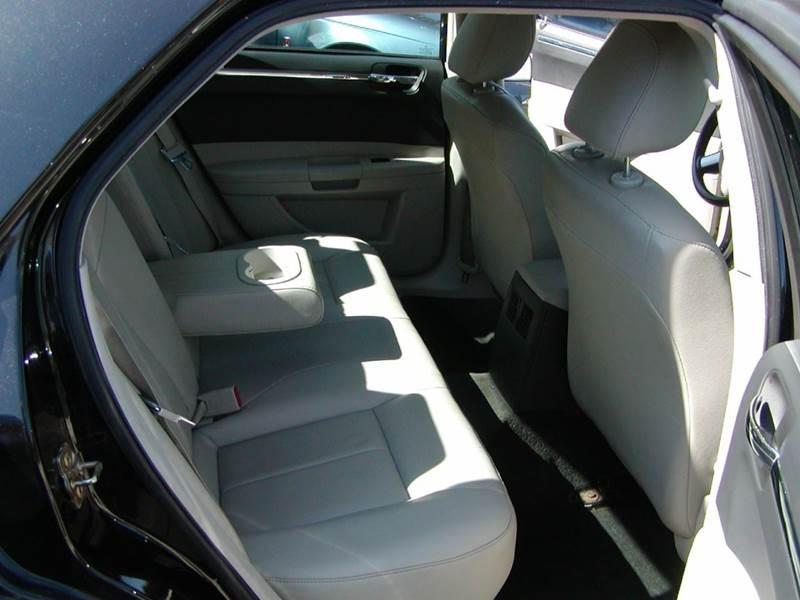2005 Chrysler 300 Limited 4dr Sedan for sale at Berea Auto Mall