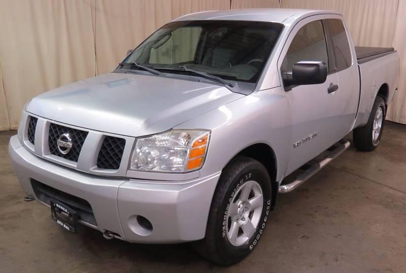 2005 Nissan Titan SE 4dr King Cab 4WD SB