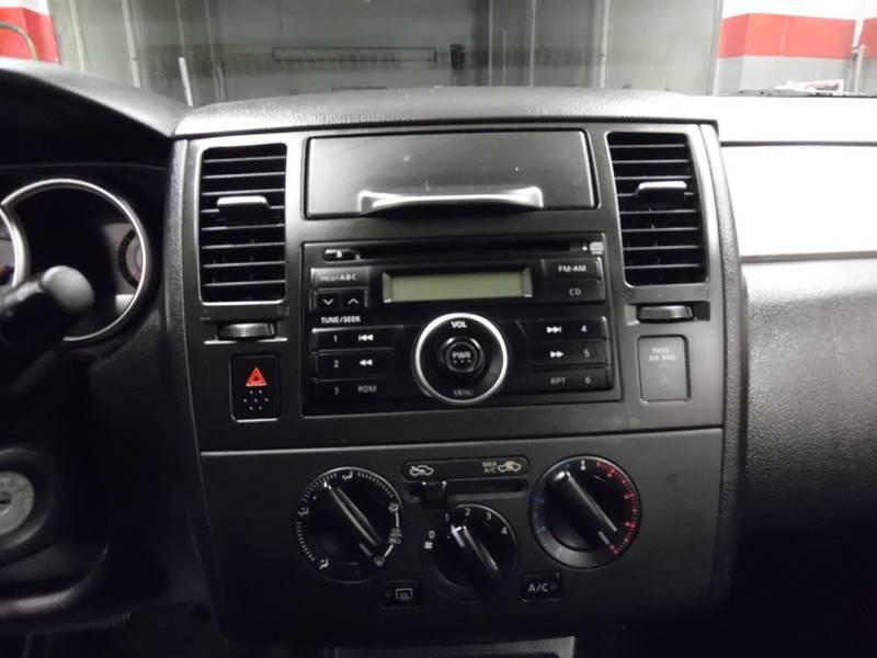 2007 Nissan Versa 1.8 S 4dr Hatchback (1.8L I4 6M) - East Barre VT
