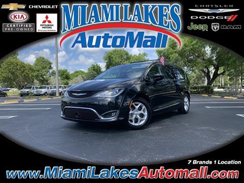2017 Chrysler Pacifica for sale in Miami, FL