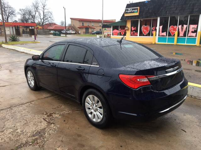 2014 Chrysler 200 LX 4dr Sedan - Hope AR