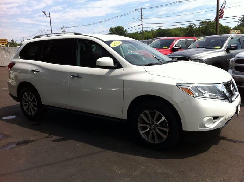 Used 2013 Nissan Pathfinder, $16790