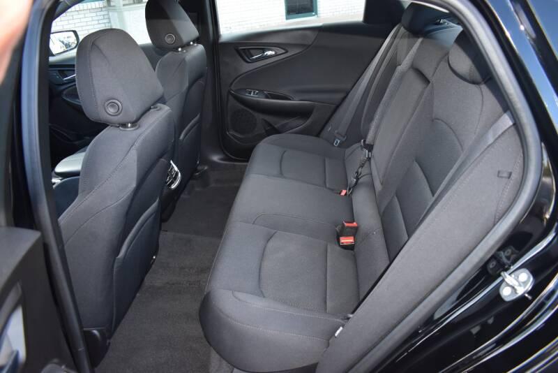 2017 Chevrolet Malibu LT 4dr Sedan - Rockford IL