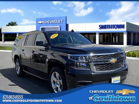 2019 Chevrolet Suburban for sale at CHEVROLET OF SMITHTOWN in Saint James NY