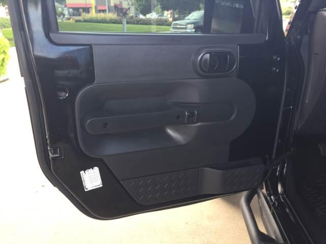 2010 Jeep Wrangler Unlimited 4x4 Sport 4dr SUV - Bettendorf IA