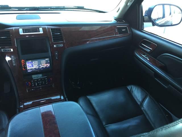 2007 Cadillac Escalade AWD 4dr SUV - Bettendorf IA