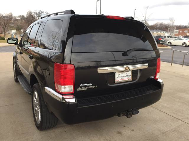 2008 Chrysler Aspen 4x4 Limited 4dr SUV - Bettendorf IA