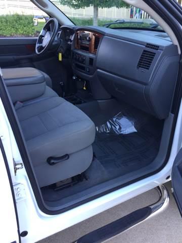 2006 Dodge Ram Pickup 2500 SLT 4dr Quad Cab 4WD SB - Bettendorf IA