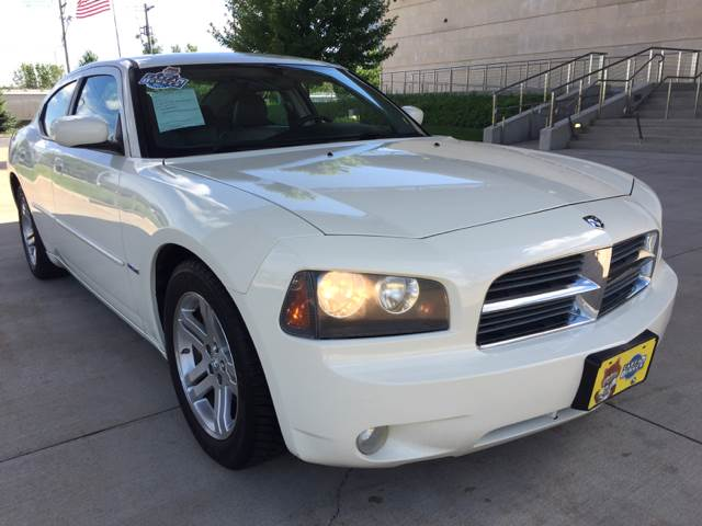 2006 Dodge Charger RT 4dr Sedan - Bettendorf IA