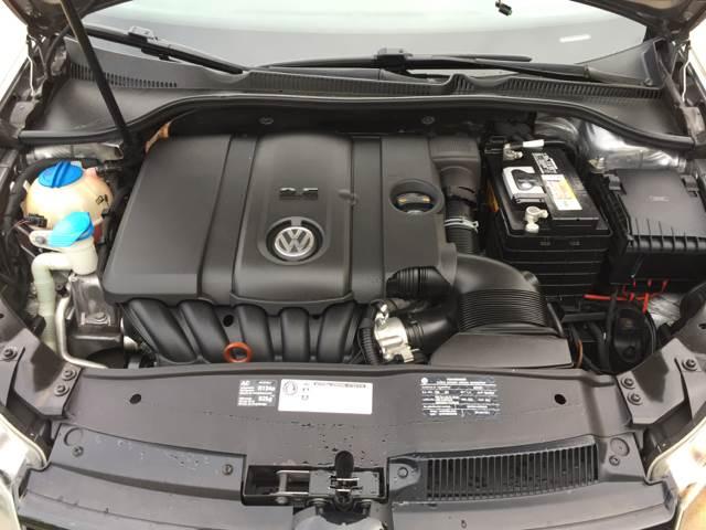 2010 Volkswagen Golf 2.5L 4dr Hatchback - Bettendorf IA