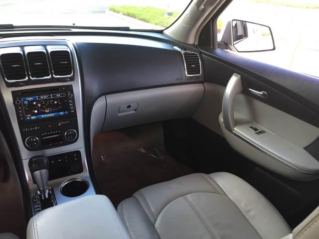 2008 GMC Acadia SLT-2 4dr SUV - Bettendorf IA