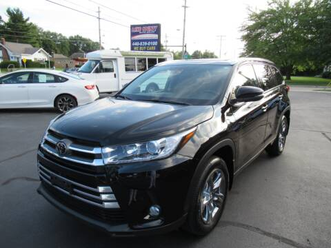 2018 Toyota Highlander for sale at Lake County Auto Sales in Painesville OH
