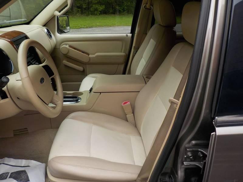 2006 Ford Explorer Eddie Bauer 4dr SUV 4WD w/V6 - Alpharetta GA
