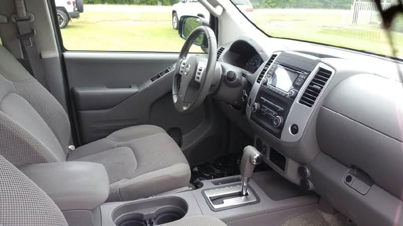 2016 Nissan Frontier 4x2 SV 4dr Crew Cab 5 ft. SB Pickup 5A - Lexington SC
