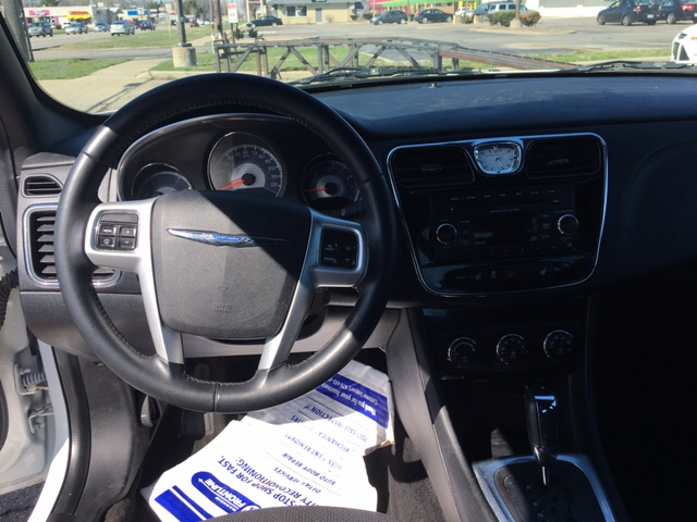 2013 Chrysler 200 for sale at National Auto Sales Inc. - Hazel Park Lot in Hazel Park MI