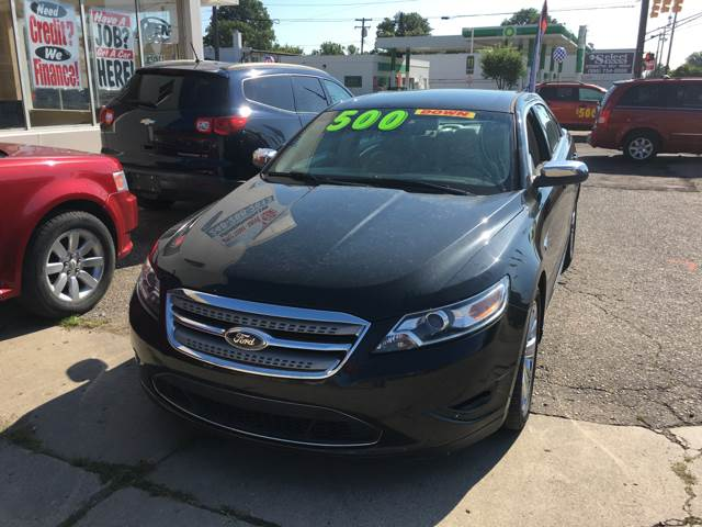 2014 Ford Taurus for sale at National Auto Sales Inc. - Hazel Park Lot in Hazel Park MI