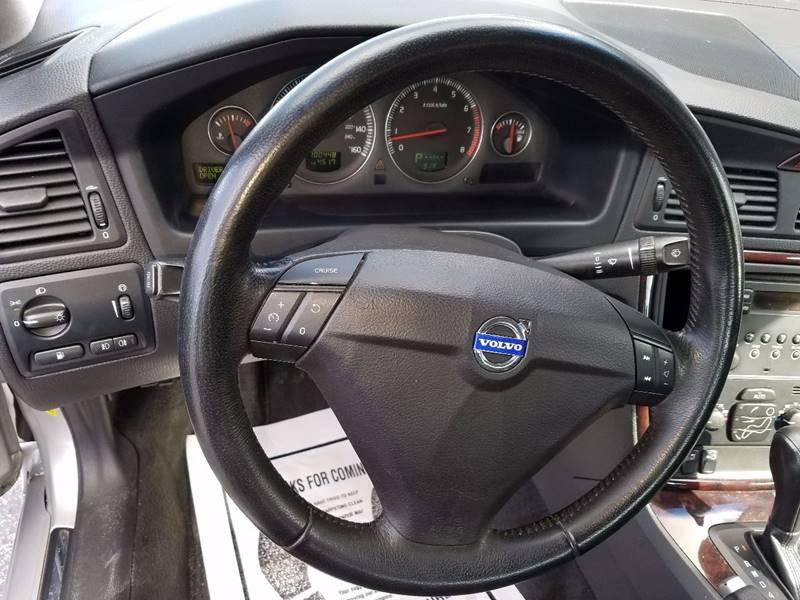 2006 Volvo S60 2.5T 4dr Sedan - La Porte TX