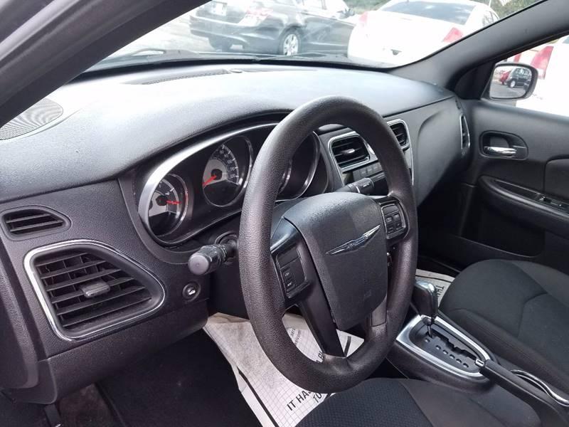 2012 Chrysler 200 LX 4dr Sedan - La Porte TX
