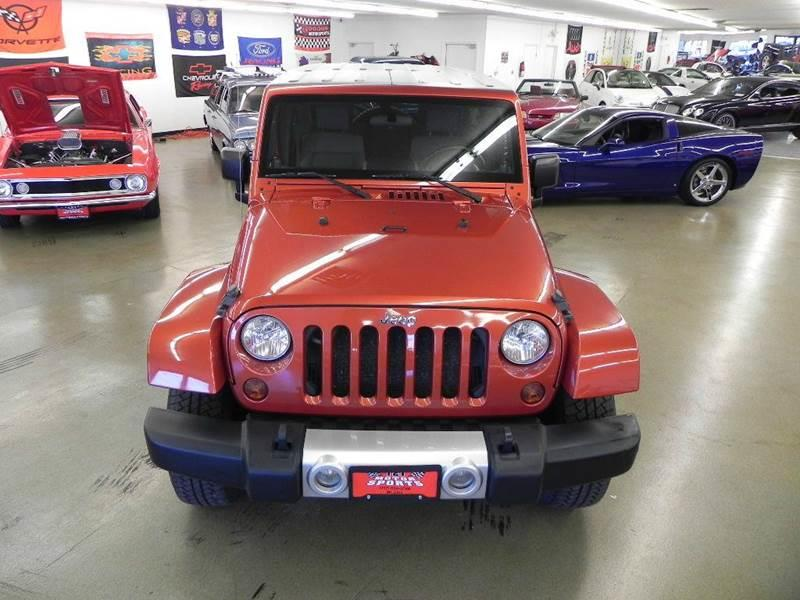 2009 Jeep Wrangler Unlimited Sahara 4x4 4dr SUV w Front Side