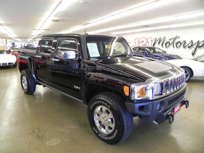 The 2009 HUMMER H3T Alpha photos