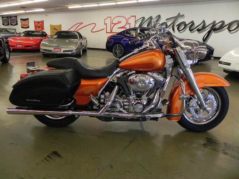 The 2004 Harley-Davidson Road King  photos