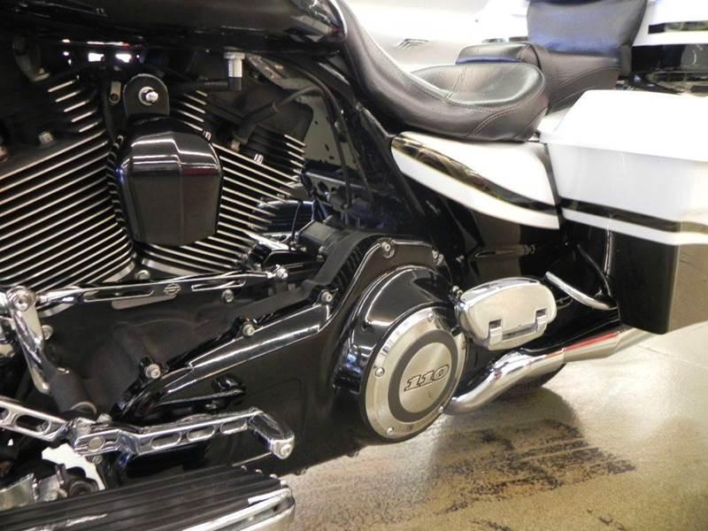 2012 Harleydavidson Road Glide Screamin Eagle Cvo Custom In Mt