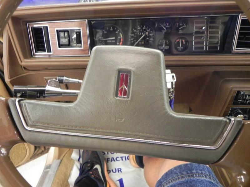 1988 Oldsmobile Cutlass Supreme Classic photo