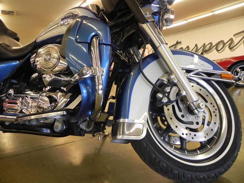 2006 Harley-Davidson FLHTCUI Ultra Classic Electra Glide photo