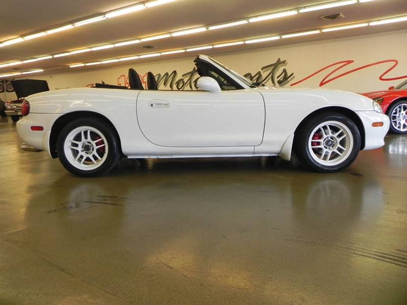 2001 Mazda MX-5 Miata for sale at 121 Motorsports in Mount Zion IL