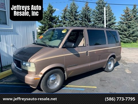 2002 GMC Safari for sale in Clinton Township, MI