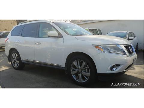 2013 Nissan Pathfinder for sale in Farmersville, CA