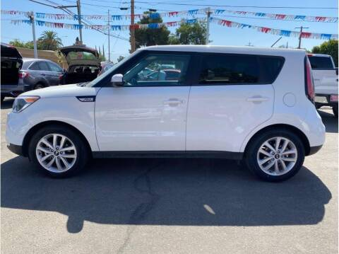 2018 Kia Soul for sale at Dealers Choice Inc in Farmersville CA