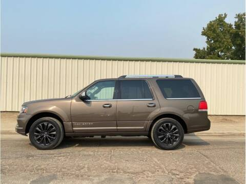 2015 Lincoln Navigator for sale at Dealers Choice Inc in Farmersville CA