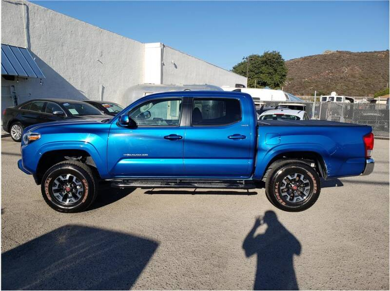 2017 Toyota Tacoma for sale at Dealers Choice Inc in Farmersville CA