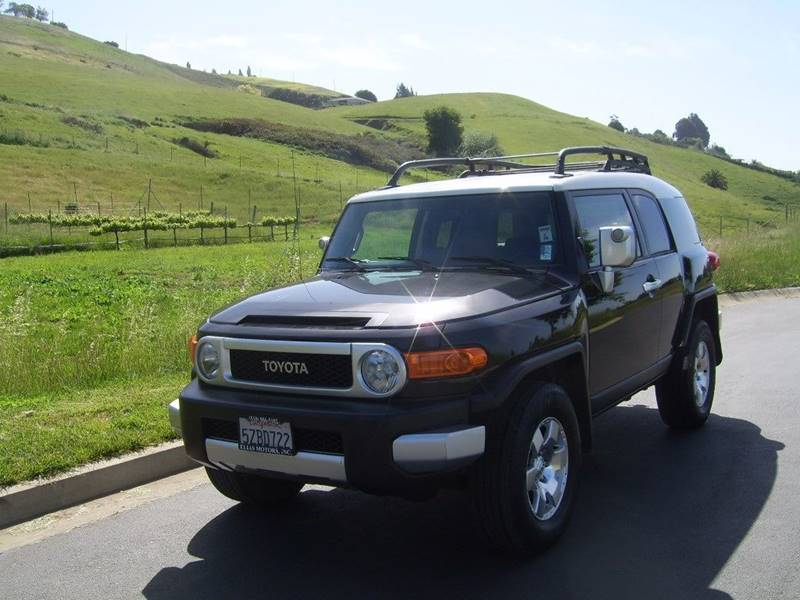 2007 Toyota FJ Cruiser Base 4dr Suv 4wd (4l V6 5a)