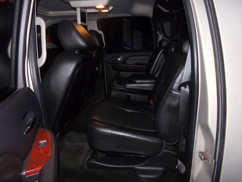2007 Cadillac Escalade EXT for sale at Car Town USA in Attleboro MA