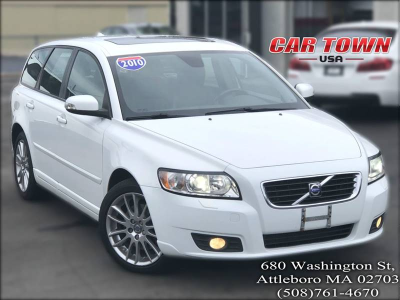 2010 Volvo V50 for sale at Car Town USA in Attleboro MA
