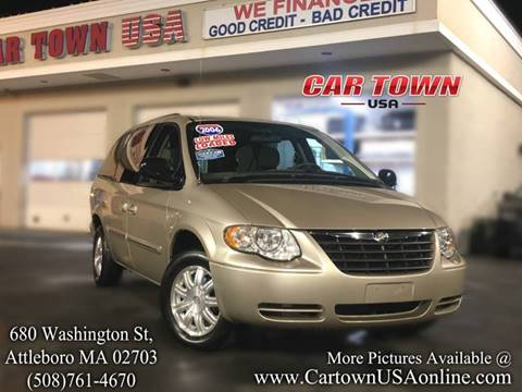 2006 Chrysler Town and Country for sale at Car Town USA in Attleboro MA