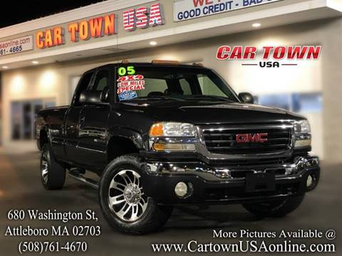 2005 GMC Sierra 2500HD for sale at Car Town USA in Attleboro MA