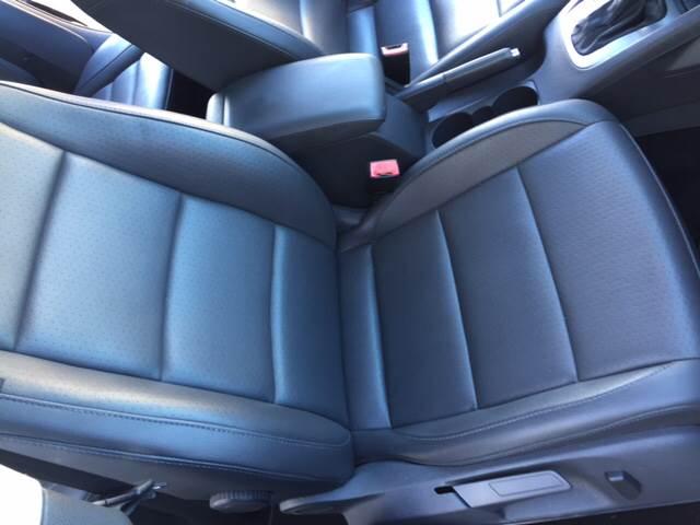 2009 Volkswagen Jetta SE PZEV 4dr Sedan 6A - Santa  Ana CA