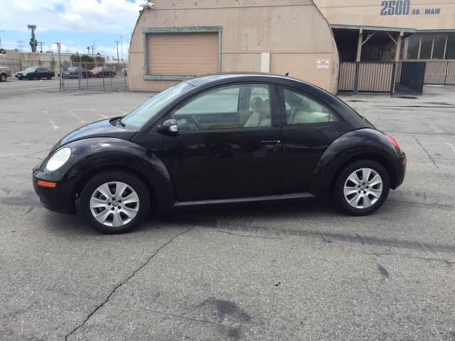 2009 Volkswagen New Beetle PZEV 2dr Hatchback 6A - Santa  Ana CA