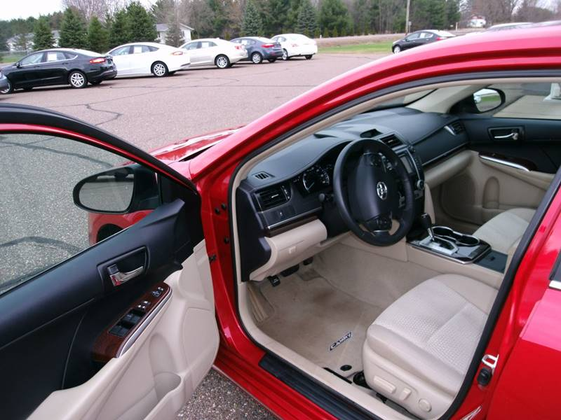 2013 Toyota Camry XLE 4dr Sedan - Chippewa Falls WI