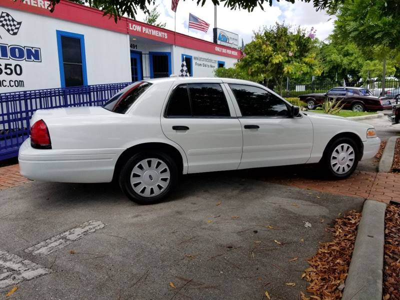 2011 Ford Crown Victoria Police Interceptor Pursuit w/ Street Appearance Package 4dr Sedan (3.55 Axle) - Miami FL