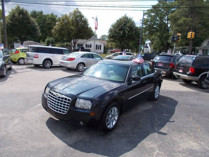 2009 Chrysler 300 car for sale in Detroit
