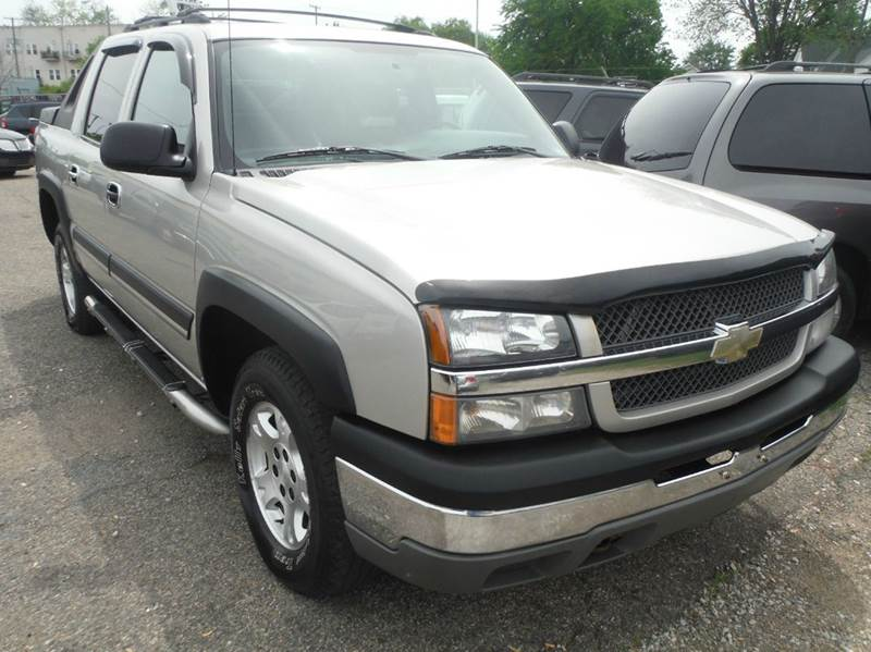 2004 Chevrolet Avalanche car for sale in Detroit