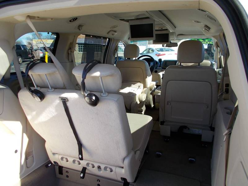 2009 Volkswagen Routan SEL CARB 4dr Mini-Van w/ RSE - Mt Clemens MI