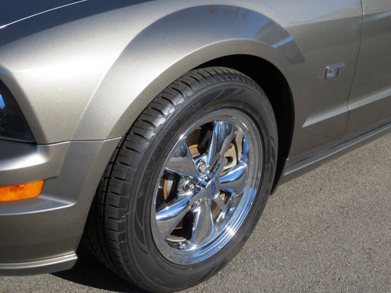 2005 Ford Mustang GT Premium 2dr Coupe - Thousand Oaks CA