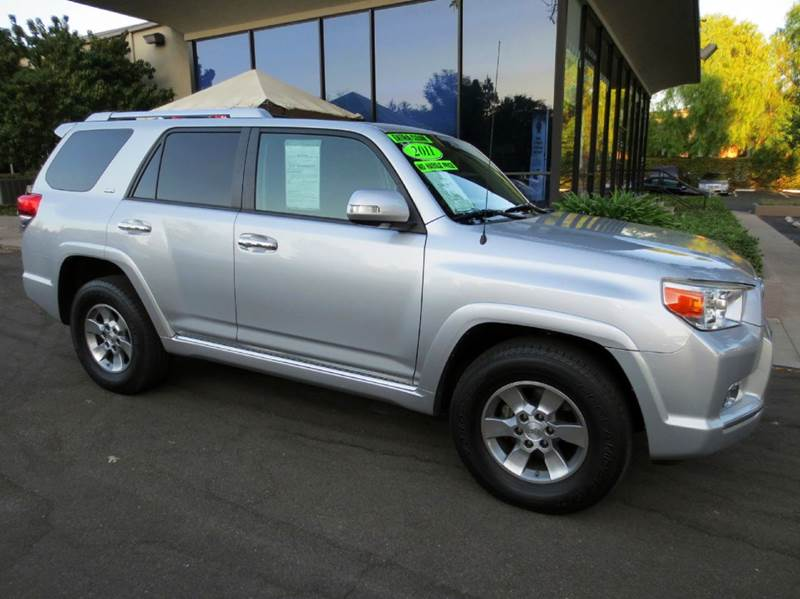 2011 TOYOTA 4RUNNER SR5 4X2 4DR SUV silver nicely equipped with moon roof 3rd row seating tow p